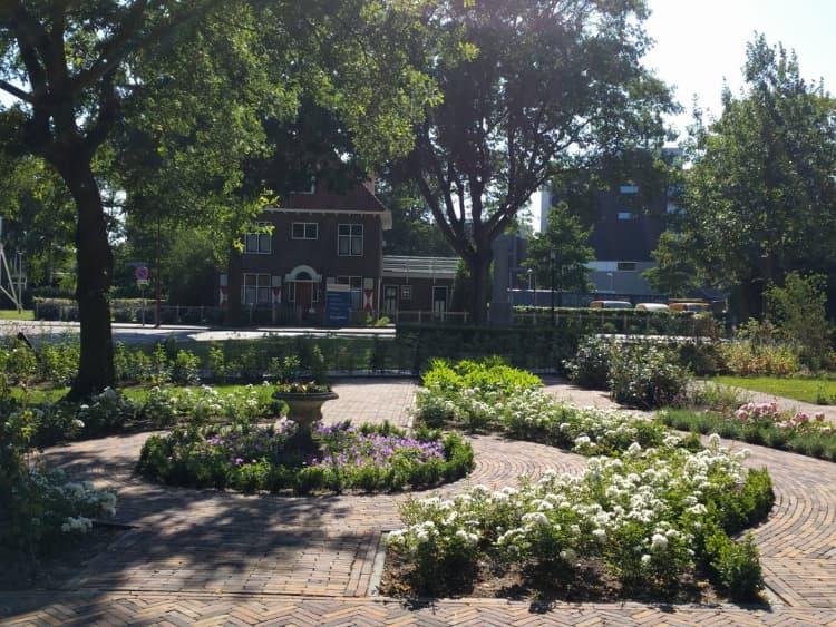 klassieke-engelse-tuin-Heerenveen-3