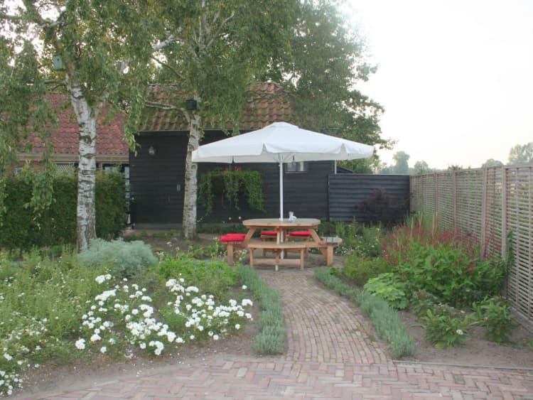 landelijke-tuin-zeerijp-1