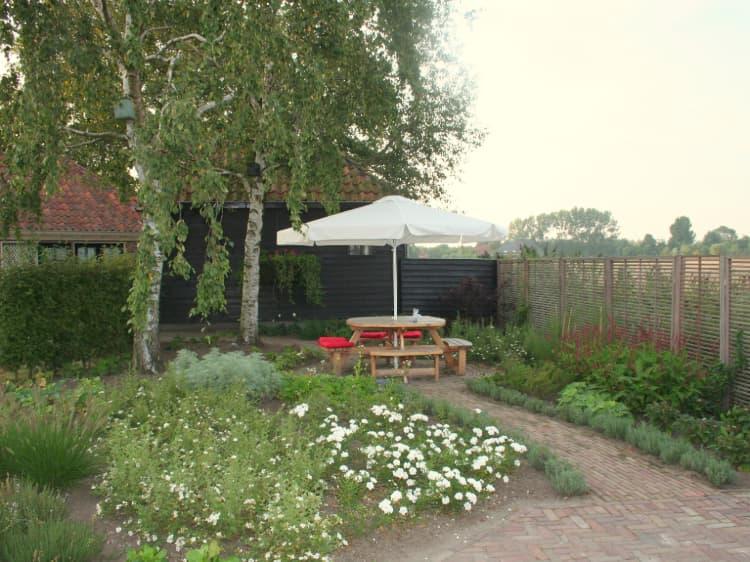 landelijke-tuin-zeerijp-2