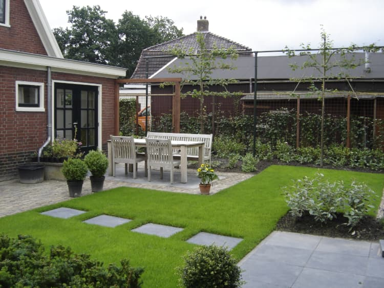 strakke-romantische tuin-eelde-6